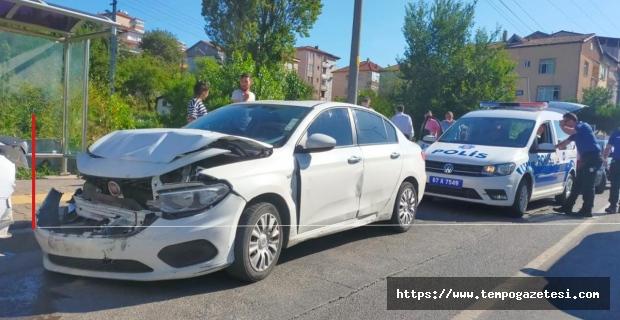 4 Araç birbirine girdi: 1 kişi yaralandı...