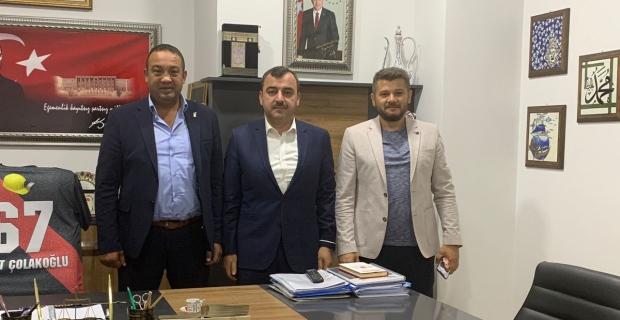 AK Partili Çolakoğlu MHP'yi ziyaret etti