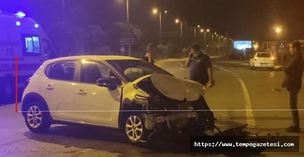 İki otomobil çarpıştı: 3 Kişi yaralandı