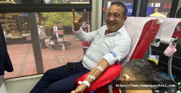 Kan verdi, Bozkurt'la selamladı...