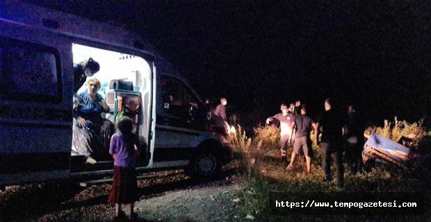 Minibüs patpata çarptı: 1'i ağır 2 yaralı