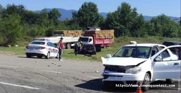 Trafik kazası: 1 Çocuk 4 kişi yaralandı...