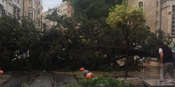 Flaş... İstanbul'da Yaşanan Sel, Şekerci'nin Kardeşini de Vurdu…
