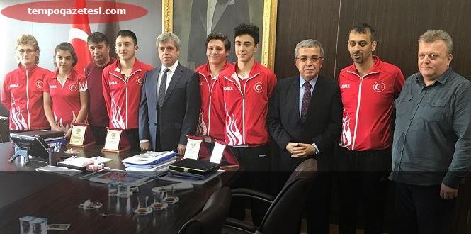 Milli Sporculardan Çınar'a ziyaret