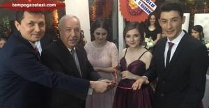 Gazeteci Şaban Yılmaz biricik kızı Aysun'u Nişanladı...