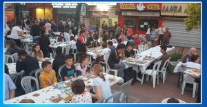Sokak, iftar sofraları ile şenlendi...