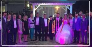 AK Partililer o düğünde buluştu...