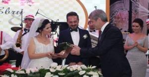 Peri masalı gibi düğün. Demir ve Velioğlu'ların en mutlu günü!..