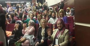 AK Kadınlar Genel Merkez'de...