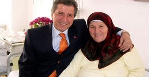 Köksal Toptan annesini kaybetti…