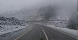 Yüksek kesimlerde kar yağışı başladı...
