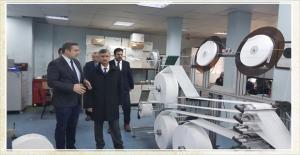 Vali Erdoğan Bektaş, maske fabrikasını ziyaret etti...