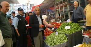 Başkan Bozkurt, pazar yerinde denetimde bulundu...