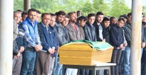Kaçak ocaktaki göçükte ölen 19 yaşında genç toprağa verildi