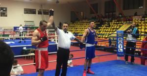 Zonguldaklı boksör madalyayı kıl payı kaçırdı