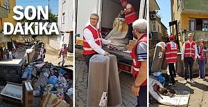 Kızılay'dan selde zarar gören ailelere yardım