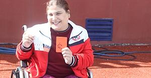 Hakem KADER#039;e kırmızı kart...