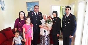 Jandarmadan örnek davranış