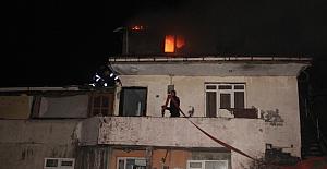 Çıkan yangında anne hayatını kaybetti