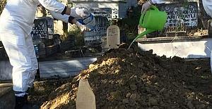 Corona Virüsten hayatını kaybetti: Toprağa verildi