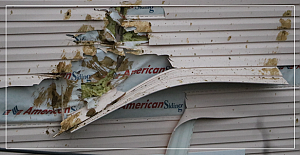 Patlamada evler zarar gördü