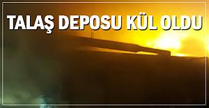 Talaş deposu yandı