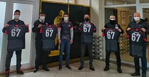 Yurt çalışanlarından Zonguldakspor'a forma desteği