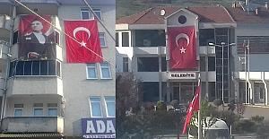 Atatürk'ün posterinden korkuyor!