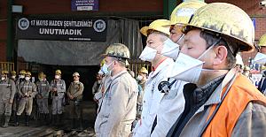 30 Madenci, kuyu başında dualarla anıldı...