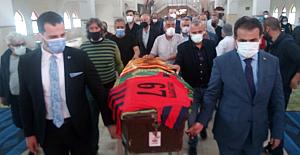Gazeteci Akay Turhan son yolculuğuna uğurlandı