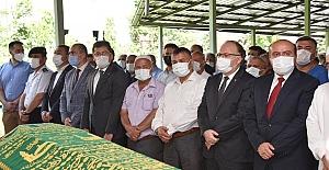 Bakan Yardımcısı cenaze törenine geldi