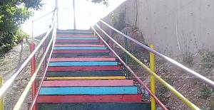 Merdivenler rengarenk
