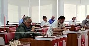AK Partili meclis üyeleri meclis toplantısını terk etti...