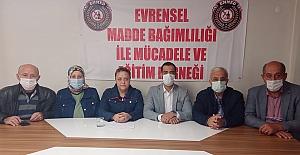 Gençler sarhoş oldu, EMMED AK Partili Ali Bektaş'ı kınadı!
