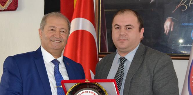 Zonguldaklı gazeteciye ödül