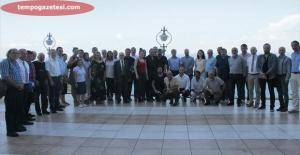 Vali Çınar, Sanatçılarla bir araya geldi!..