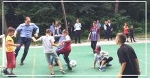 Çocuklarla top oynadı, şenliğe katıldı...